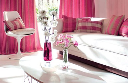 Vanzare de case amenajate in nuanta roz