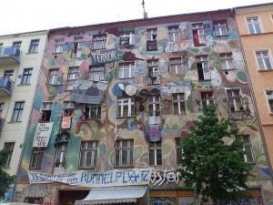 kreuzberg-friedrichshain-graffiti-kiez-punk-1