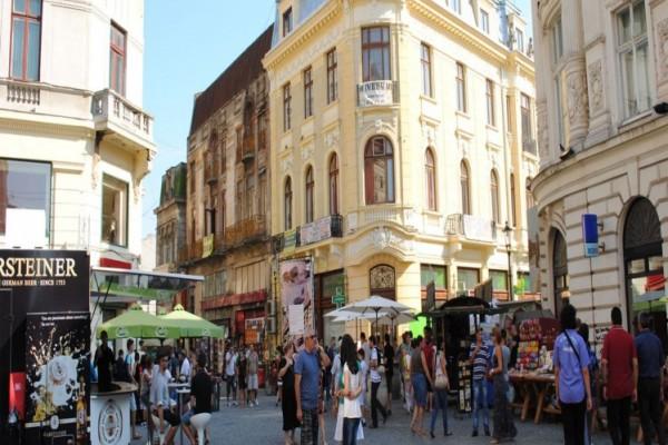 Parlamentul a decis ca toate restaurantele si magazinele aflate la parterul blocurilor cu risc seismic să fie scoase